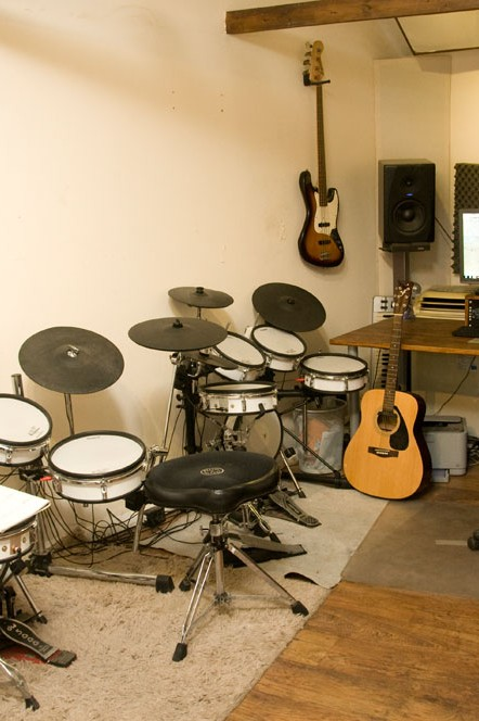 Guitar Piano Singing Bass Drum Lessons teacher tuition Farnham guildford hampshire Surrey Sussex Berkshire1022 1000px